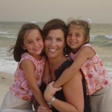 Abby and her Mom talk about life growing up in Florida in the eighties, successes, and past current events.