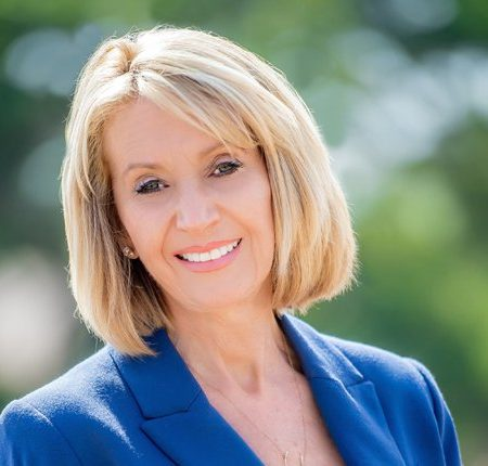 """""""Taking the Time to Make the Big Decision."""" an interview with Marcia McNutt"""