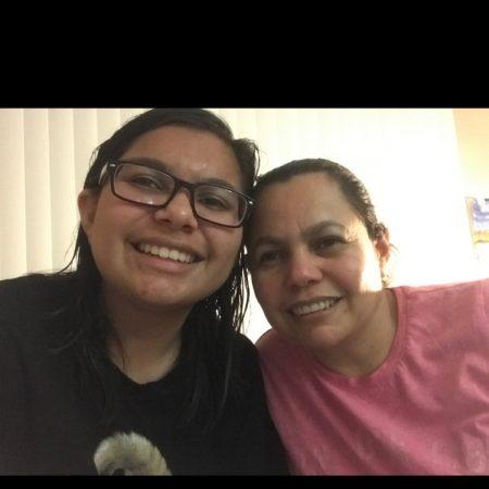Carla Jimenez interview with mom *spanish*